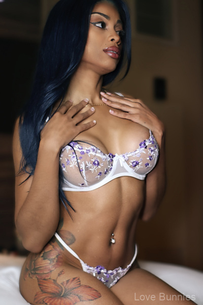 Toni-is-a-model-and-exotic-dancer-in-Vegas-3
