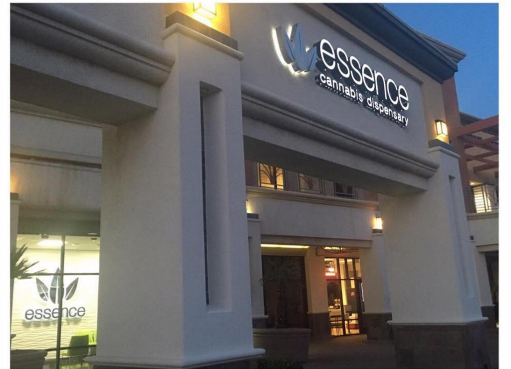 Essence – Las Vegas Strip (1)